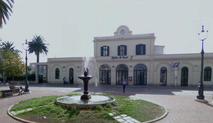 Ragazza investita da un treno sulla linea Bari-Lecce: indaga la polizia. Corse in ritardo di 100 minuti