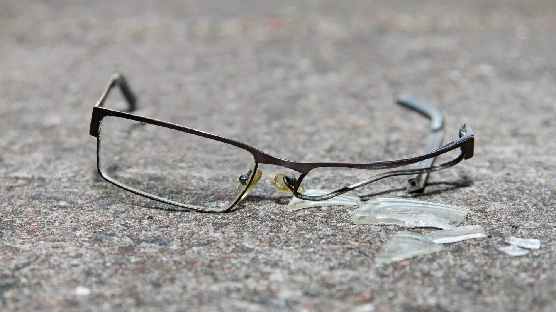 Bari dallo specchietto alla truffa degli occhiali for Assicurazione mobilia domestica