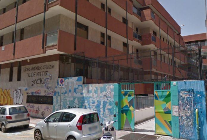 I liceali di Bari denunciano minacce da una guardia armata, la preside chiama a rapporto i vigilanti
