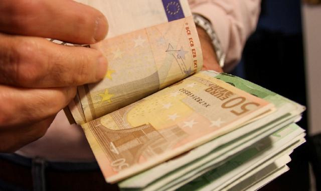 mazzetta banconote 50 euro