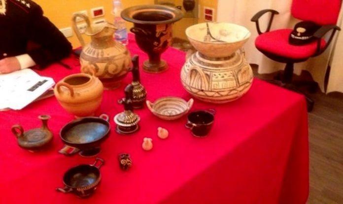 Scavi clandestini in Puglia: rientra dal Belgio la collezione archeologica  trafugata da 11 milioni di euro